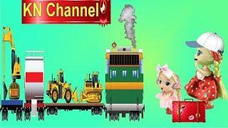 Đồ chơi trẻ em BÚP BÊ KN Channel GẶP TÀU HỎA BỐC CHÁY | SỰ CỐ KHI ĐI DU LỊCH