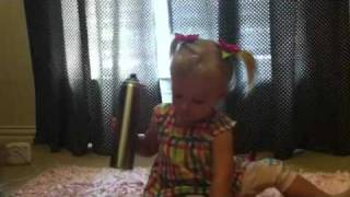 Presley does her hair - Video Youtube