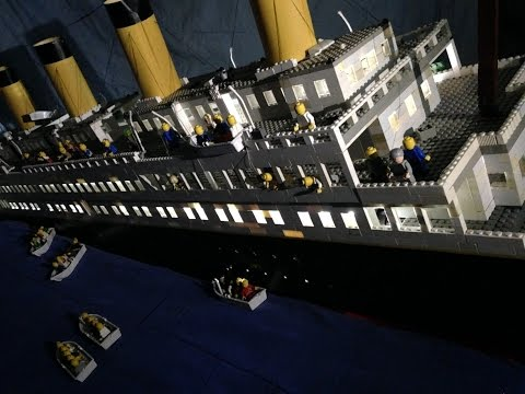 One Talented Artist Can Re-Build the Titanic With Lego's