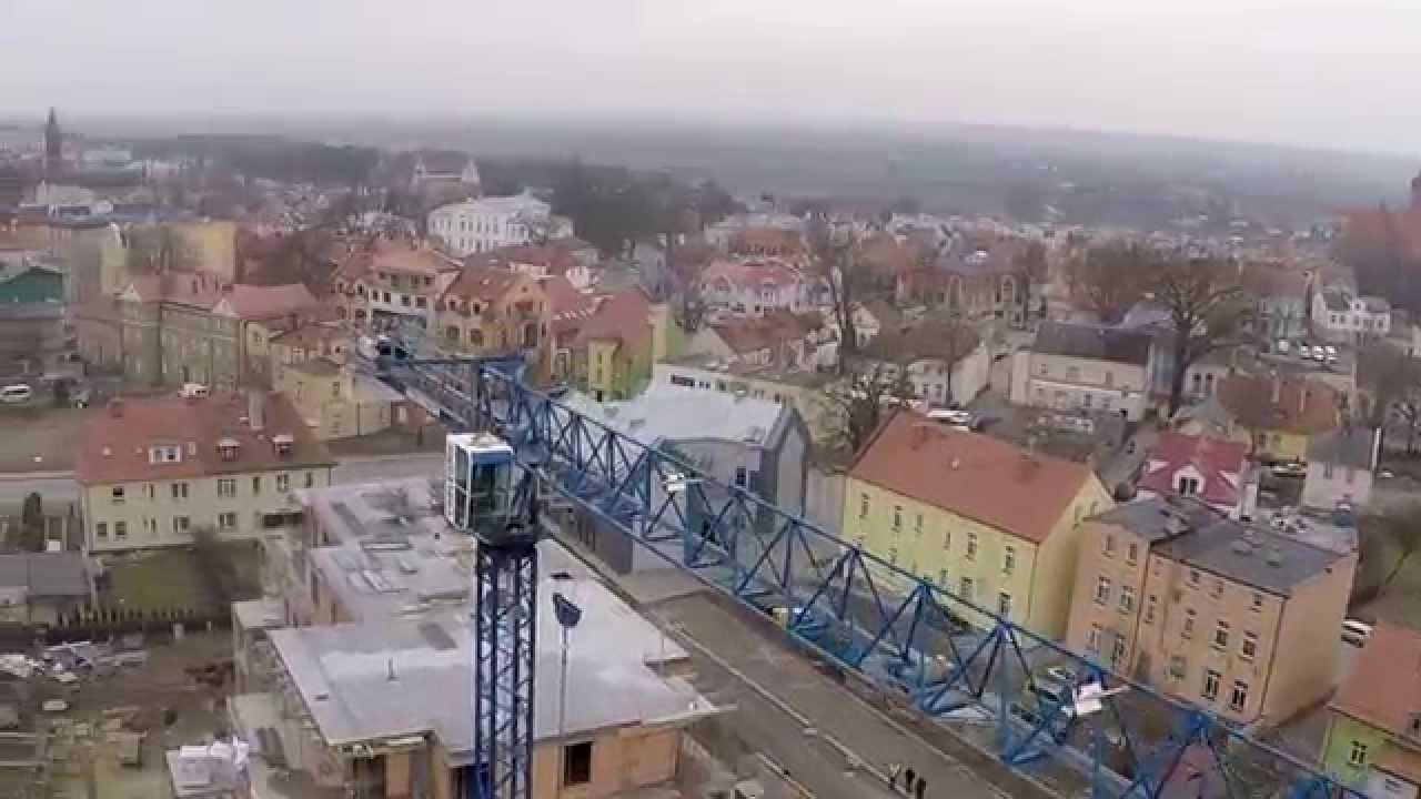 Krótki materiał video z lotów nad żurawiem wieżowym firmy  CORLEONIS Sp. z o.o. S.K.A. na budowie nowo powstającego osiedla Kopernika w Kwidzynie.