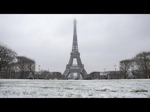 Covid-19 : couvre-feu national sous la neige, la France passe le seuil des 70 000 morts Covid-19 : couvre-feu national sous la neige, la France passe le seuil des 70 000 morts