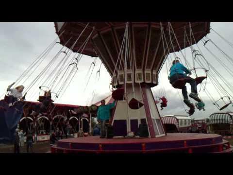 Sint Hubert kermis 2010 - Alvin in de zweefmolen