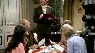 Fawlty Towers - Don't mention the war.mpg