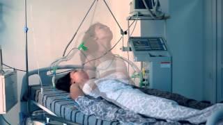Очень трогательное видео. Борьба врачей за жизнь