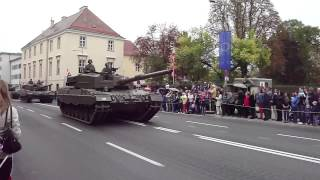 preview picture of video 'Militärparade Wiener Neustadt 2012'