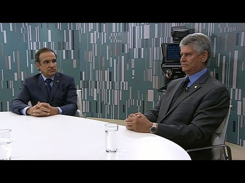Deputados discutem como combater o desemprego no Brasil