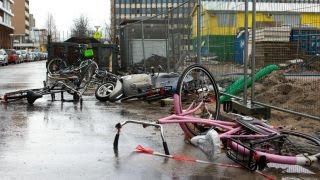 Must-see: Windstorm wallops Europe, creates chaos