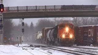preview picture of video 'CN 8832 at Brockville (19JAN2014)'