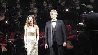 Andrea Bocelli a Nela Pocisková- Canto della terra