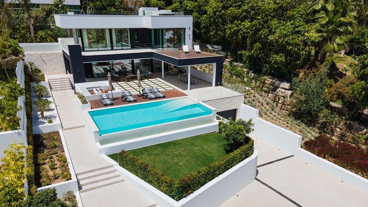 Brand-New Exclusive Fabulous Modern Villa in Las Brisas Golf, Nueva Andalucía