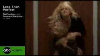 Andrea Parler - Less Than Perfect - avec Pamela Anderson Extrait VO