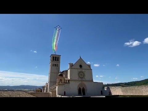 Frecce Tricolore sopra i cieli di Assisi