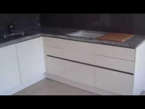 Küche Hochschränke montieren