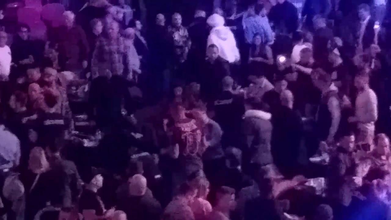 Кука нокаутировали ведром со льдом после победы над Батлером (видео)