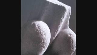 Μόνιμο μουνί, ένας Ύμνος εις την Ελευθερία από τους κλασικούς πια Kafrillion. (από Cunning Linguist, 28/05/10)