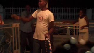 preview picture of video 'Hoola-Hooping in Haiti'
