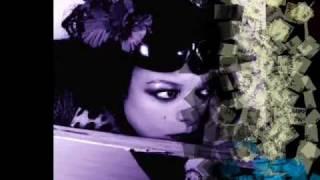 Angela McCluskey  - Famous Blue Raincoat.wmv
