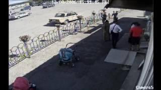 Потасовка цыганок с сотрудницами магазина в аэропорту