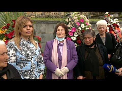 Ռ.Ծառուկյանը հարգանքի տուրք է մատուցել 30 տարի առաջ Ոսկեպարում զոհված ոստիկանների հիշատակին