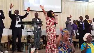 Woow... Watch Piesie Esther Amazing Live Worship; God Will Change Your Story.