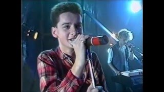 Depeche Mode - Leave in Silence - Live 1982 Hammersmith