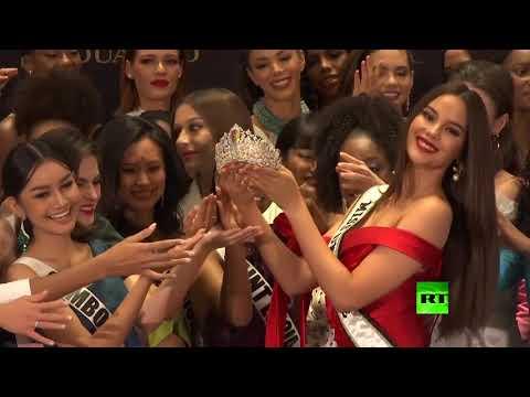 العرب اليوم - شاهد: إزاحة الستار عن تاج جديد لملكة جمال الكون بحضور المتنافسات