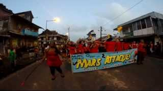 preview picture of video 'Carnaval 2014 - Mardi Gras - Les Diables Rouges envahissent Cayenne'