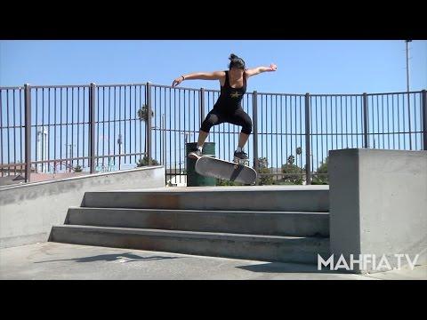[SKATE] Courtney Akita, Alishia Stevens, and Arianna Carmona at Peak and Peck Skatepark