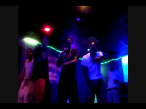 MDG DA RAPPER! performing his BLACK AND YELLOW! REMIX live @Cuzco's Night Club