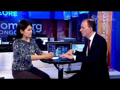 """Европын Холбооны дэмжлэг бүхий """"Монголын худалдааг дэмжих төсөл""""-ийн зөвлөх Тоби Филпотт Блоомберг телевизэд төслөө танилцуулан ярилцлага өглөө."""