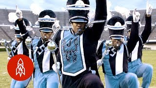 At This College, Fans Cheer for the Marching Band