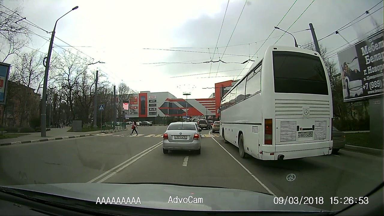 Таксист сбил двух девочек на пешеходном переходе в Новороссийске