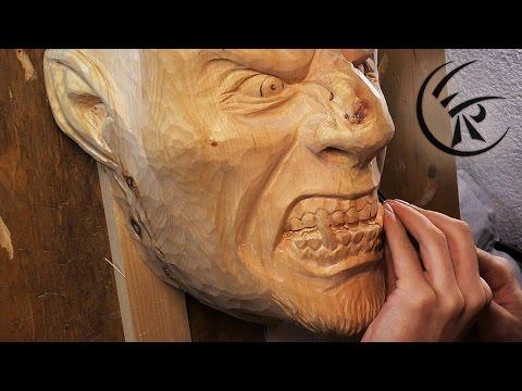Die Maske für die Person nach der Erholung auf dem Meer