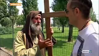 Fratel Biagio, a piedi con la croce per portare la pace