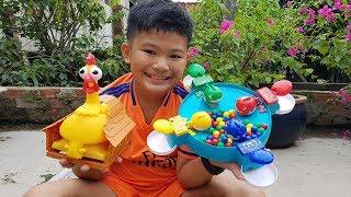 Trò Chơi Bé Vui Gà Trống ❤ ChiChi ToysReview TV ❤ Đồ Chơi Trẻ Em Cá Ăn Bi