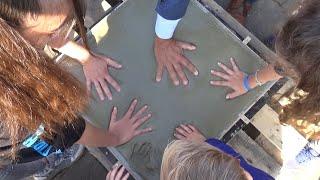 Plaatsing eerste steen school De Berk in Kaatsheuvel