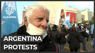 Argentinians protest in Buenos Aires against government decisions