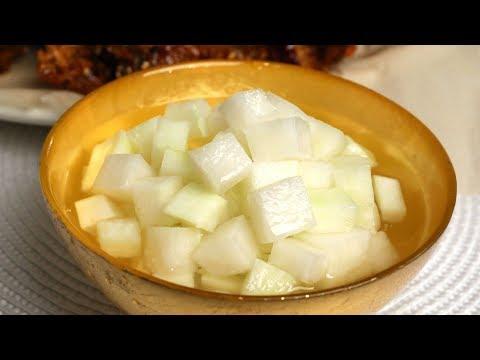 Chicken-mu (Pickled radish: 치킨무)