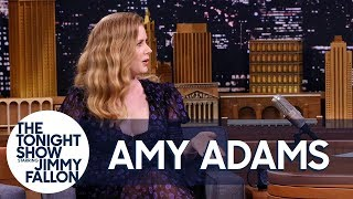 "Amy Adams Uses Her ""Mom Voice"" on Red Carpets and the Sharp Objects Set"
