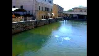 preview picture of video 'Bagno Vignoni - Siena'