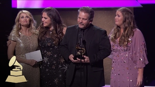 Hillary Scott & The Scott Family Win Best Contemporary Christian Album | 59th GRAMMYs