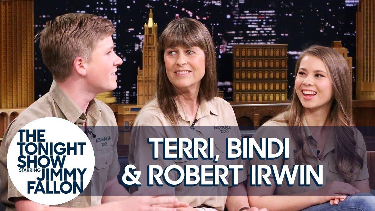 Terri, Bindi and Robert Irwin Give Animal Lovers a Chance to Name a Baby Giraffe thumbnail
