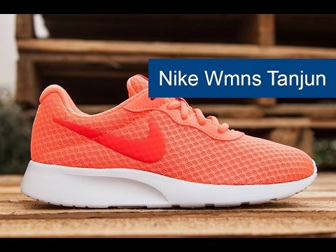 Кроссовки Nike Wmns  Tanjun, видео - интернет магазин MEGASPORT