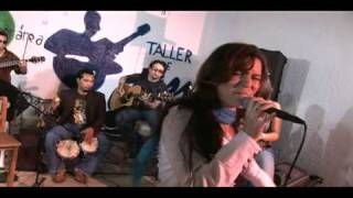 """Anniet """"Never too late"""" Unplugged"""