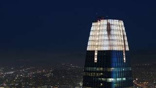 SALESFORCE LIGHTS: The Crown above San Francisco