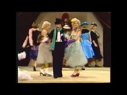 Kabaret Olgi Lipińskiej - Szkoła tańców