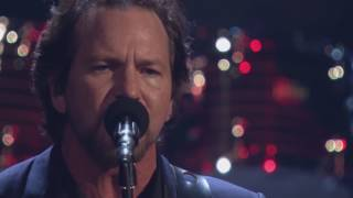 "2017 Rock Hall Inductees Pearl Jam Perform ""Better Man"""