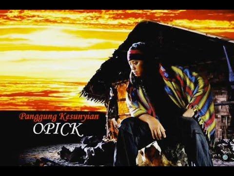 Panggung Kesunyian ~ Opick
