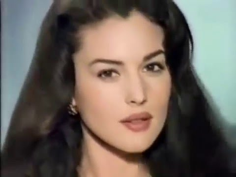 100+ Monica Bellucci photos when young