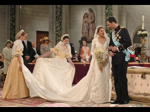 Download 5 Most Expensive Royal Wedding Dress Mp4 HD Video and MP3
